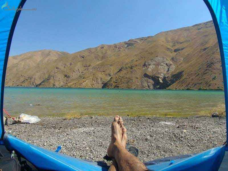 اقامت در دریاچه گهر
