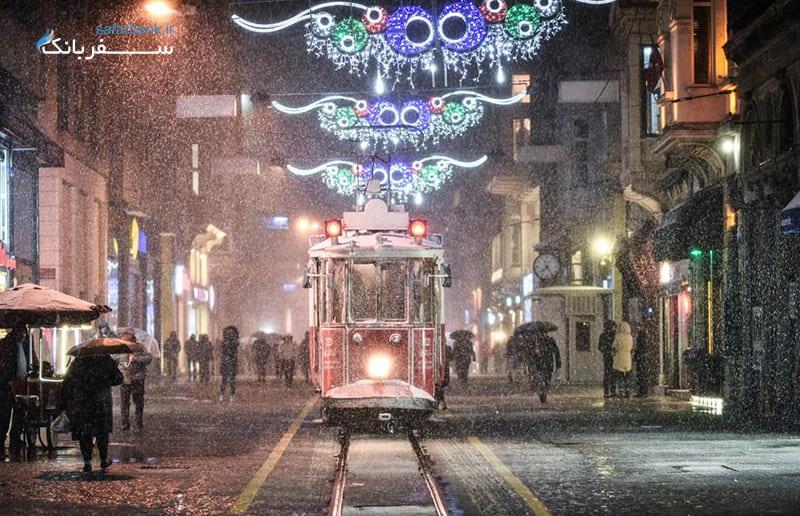 زمستان در خیابان استقلال ترکیه