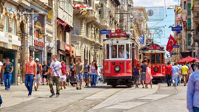 خیابان استقلال در تور استانبول