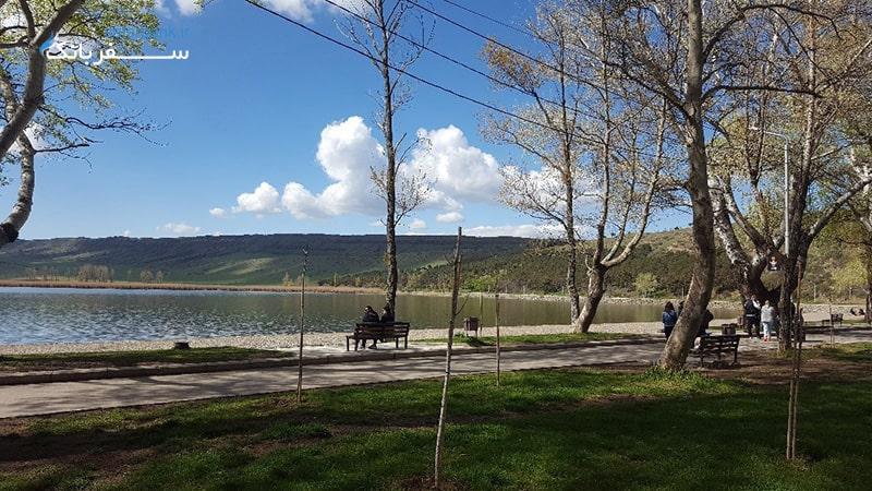 جاهای دیدنی تفلیس گرجستان، دریاچه لیسی