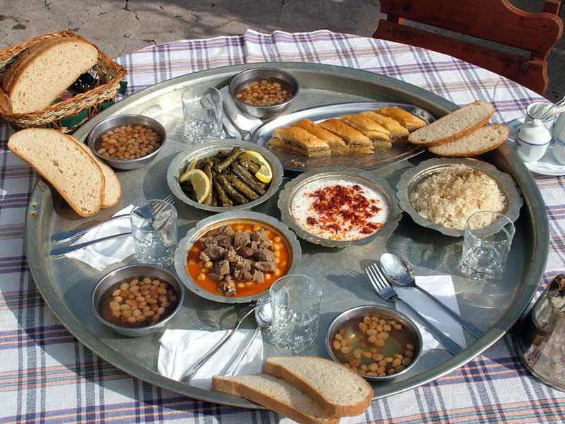 سینی غذای خوشمزه ترکی