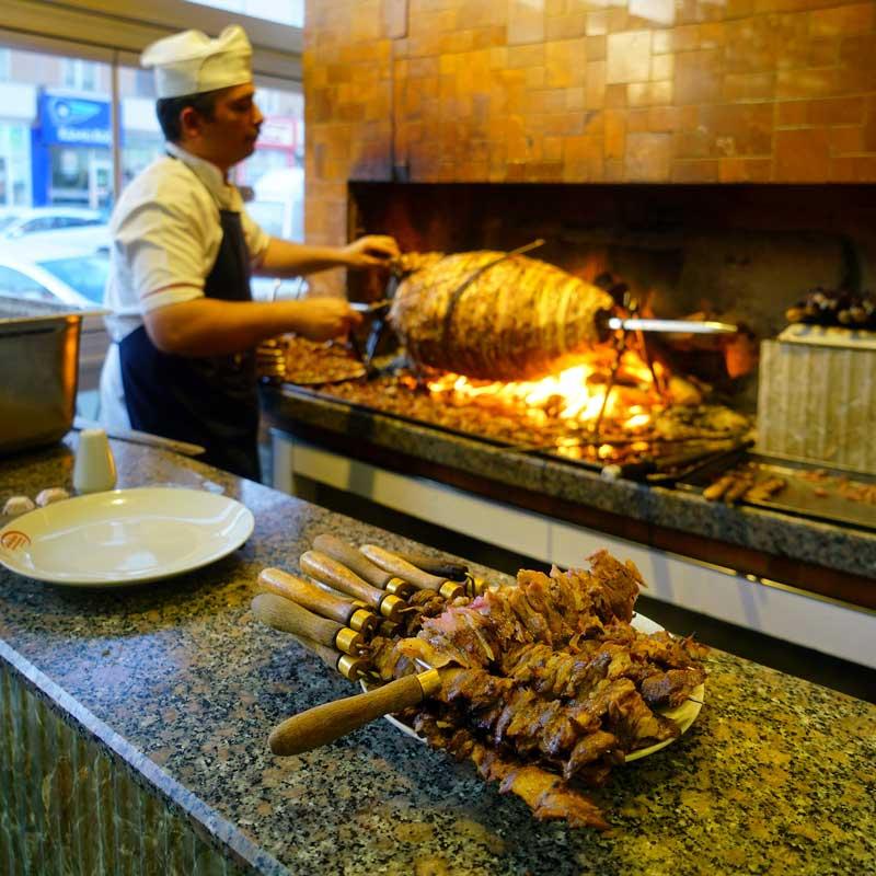 دونر کباب کباب ترکی در استانبول