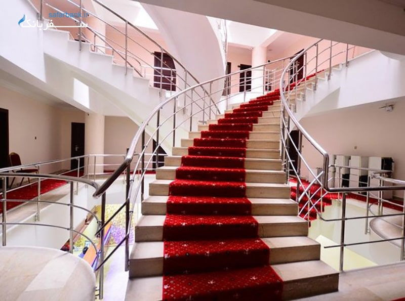 دمیت هتل ارزان در شهر وان ترکیه