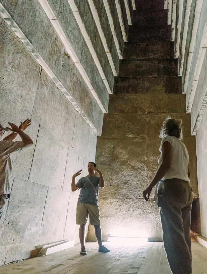 داخل اهرام مصر چگونه است