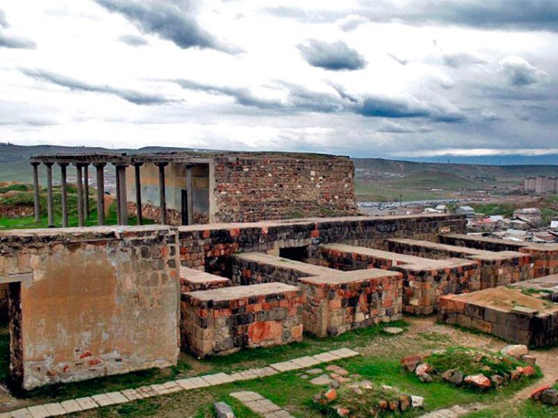 قلعه اربونی ایروان جاذبه توریستی ارمنستان