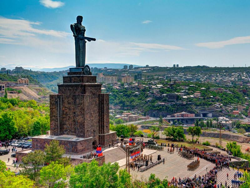موزه نظامی مادر ارمنستان