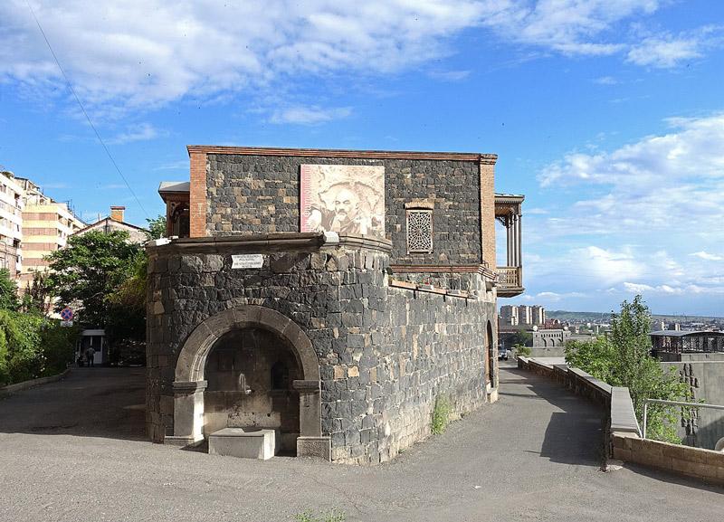 موزه خانه پاراجانوف در ایروان
