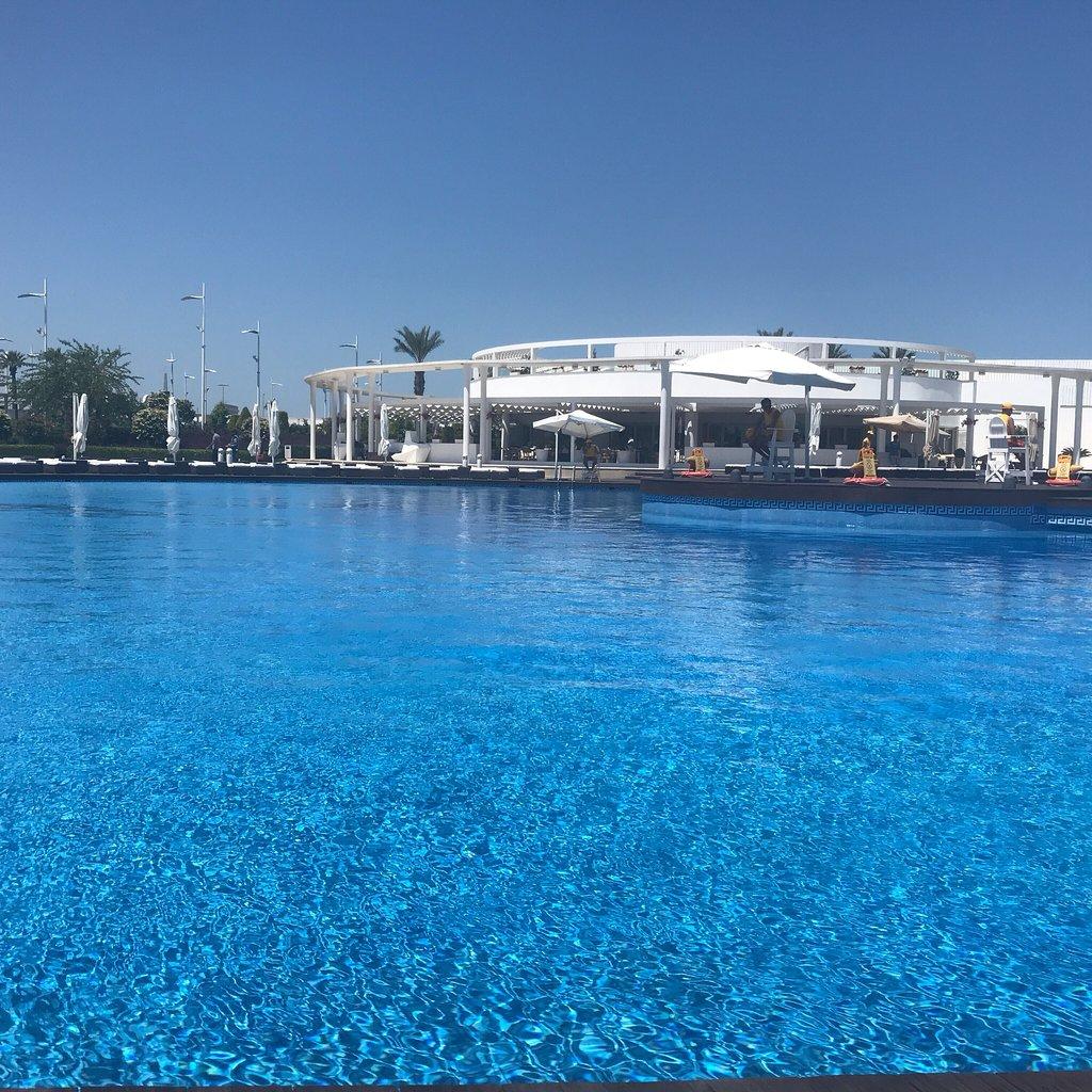 باشگاه ساحلی آمبوران و تور باکو