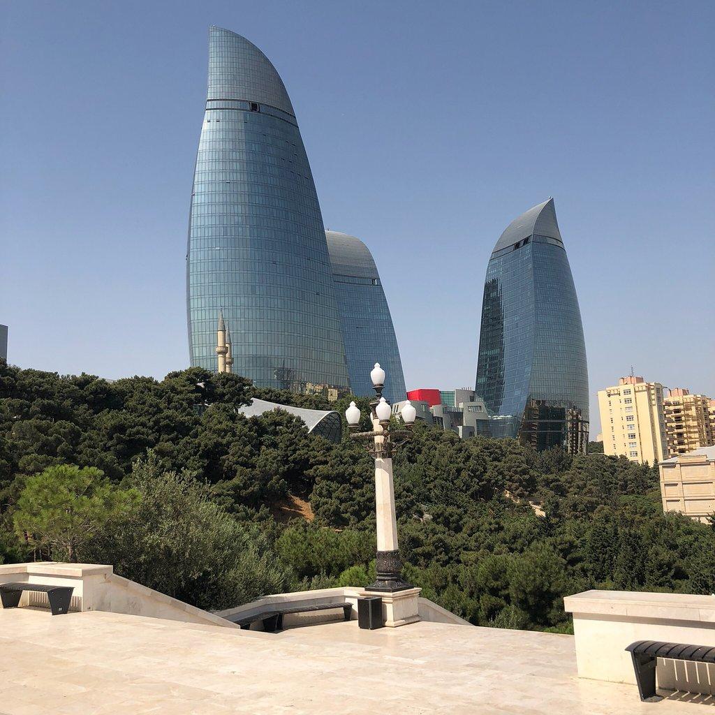 برج شعله های باکو