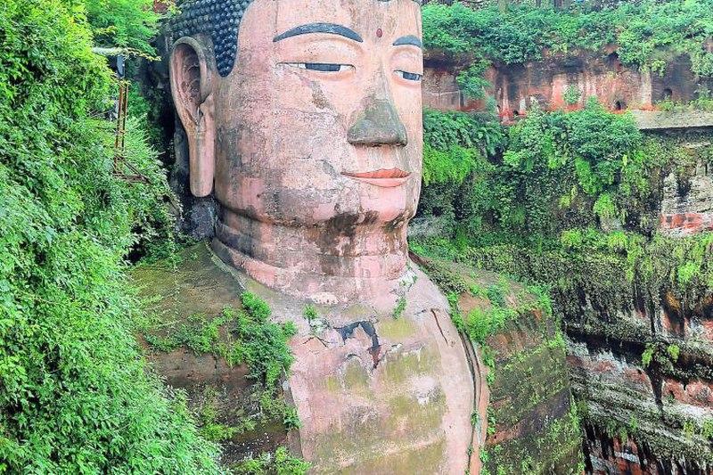 مجسمه بودای لشان در پکن