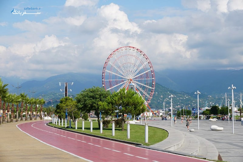 چرخ و فلک در باتومی