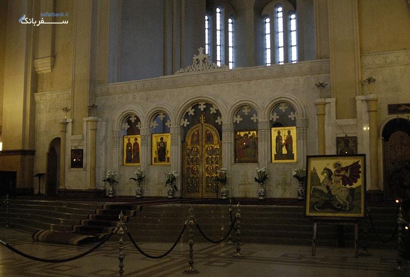 نمای داخلی کلیسای جامع تثلیث