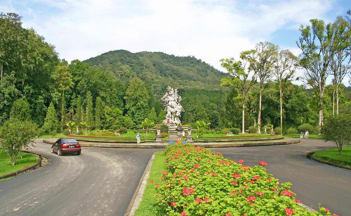 باغ گیاه شناسی در تور بالی