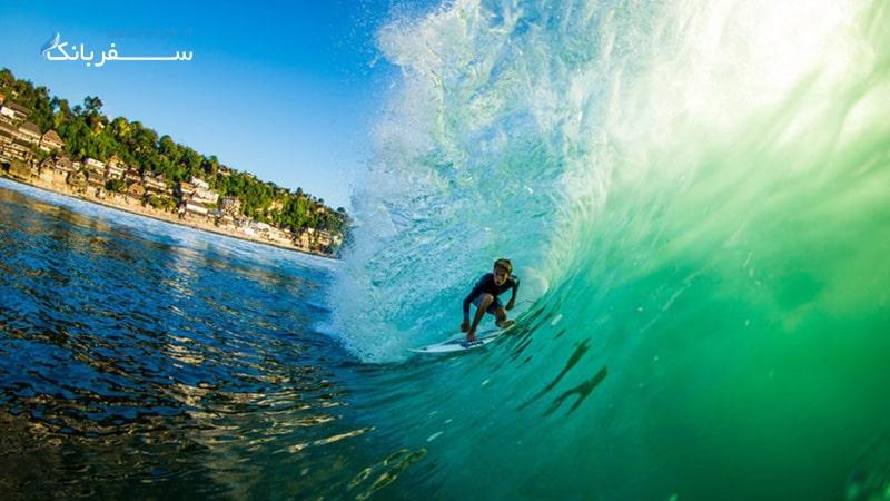 موج سواری در بازدید از بالی