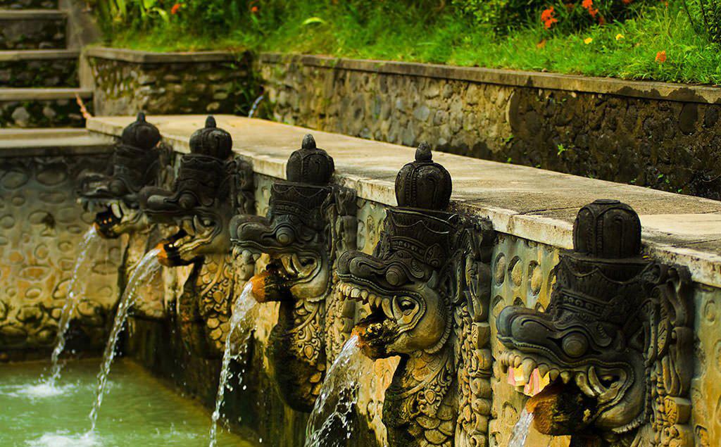 چشمه های آّبگرم بانجار در تور های  بالی اندونزی