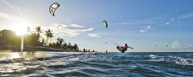 بهترین تفریحات بالی، کایت سرفینگ در بالی اندونزی