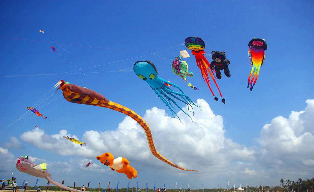 تفریحات و فعالیت های ساحلی در سانور بیچ