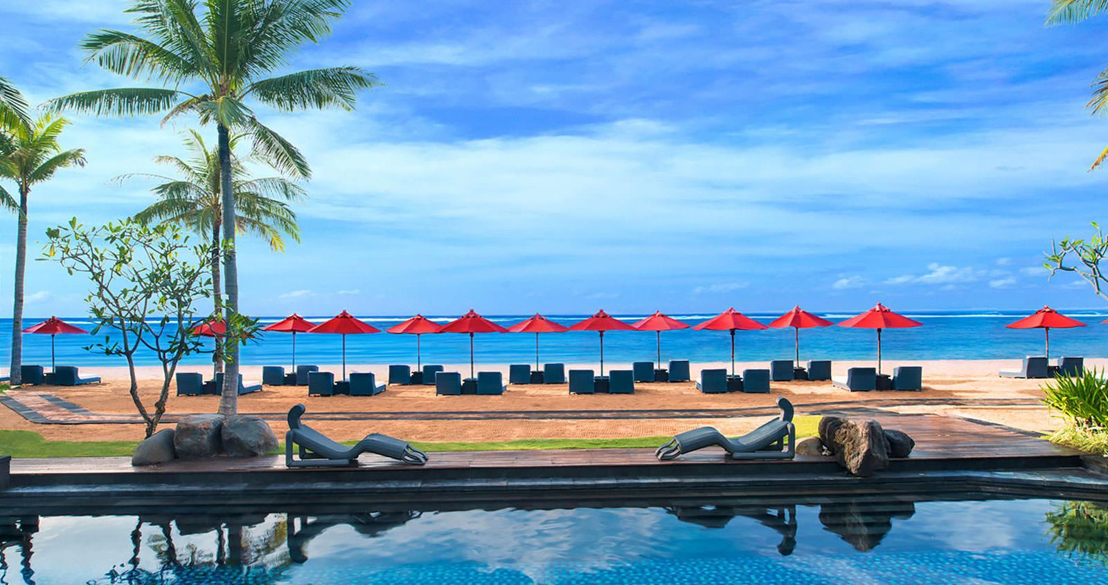 سرگرمی و تفریحات ساحلی در ساحل سانور بالی