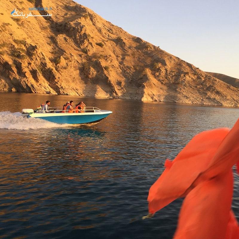قایق سواری در دریاچه دوکان سلیمانیه عراق