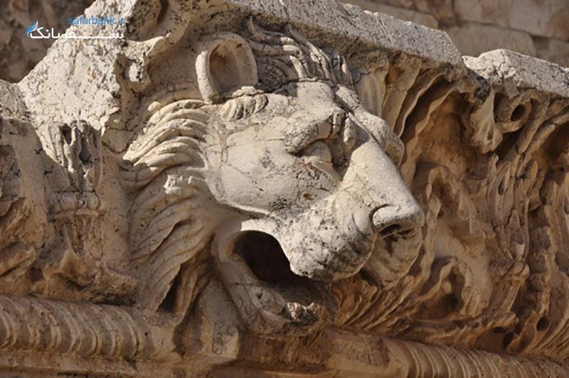 تندیسی در معبد ژوپیتر بعلبک لبنان