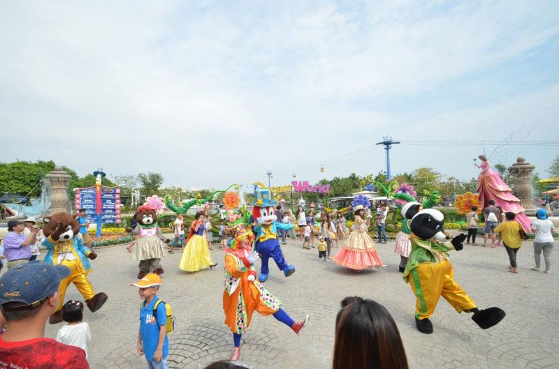 نمایش در شهربازی دریم لند بانکوک تایلند