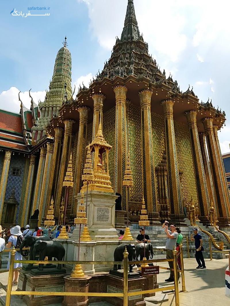 بودای زمردی در معبد وات فرا کائو بانکوک تایلند