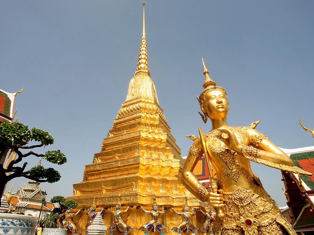 کاخ بزرگ از جاذبه های توریستی بانکوک در تایلند