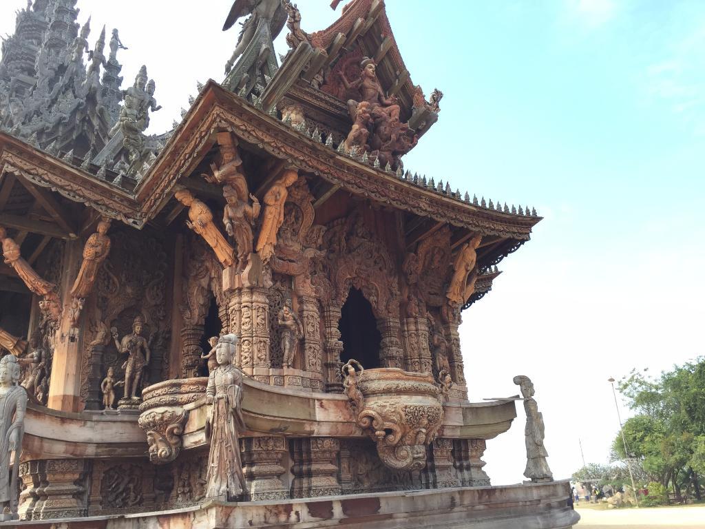 بهترین معابد پاتایا؛ معبد سانچری آو ترو