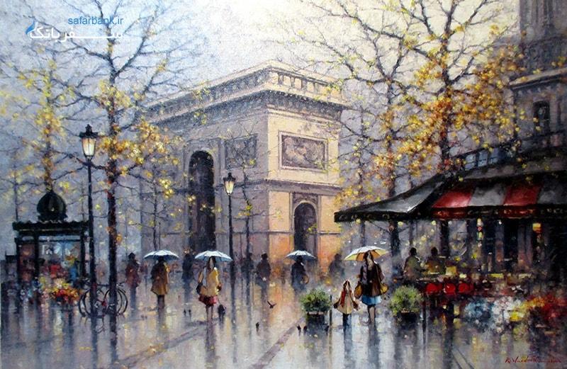 در خیابان شانزه لیزه پاریس Grand Palais نمایشگاه بزرگ