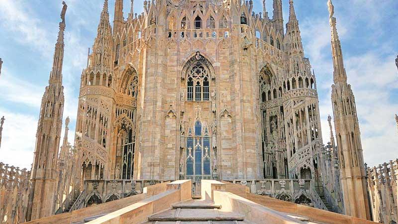 بازدید از کلیسای جامع میلان