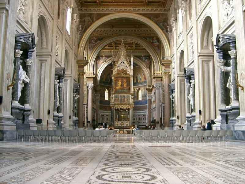 باسیلیکا سنت جان در جاهای دیدنی رم