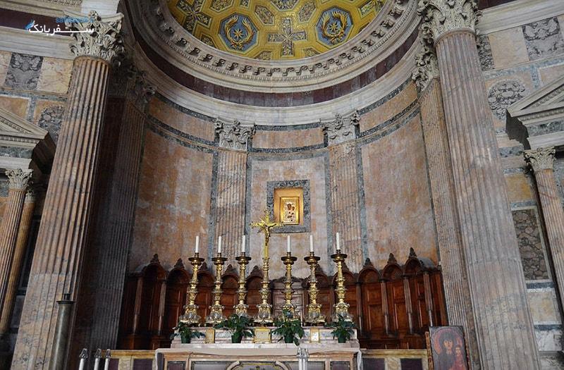 نمای داخلی معبد پانتئون رم