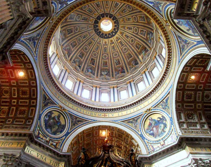 بازدید از بزرگترین کلیسای جهان