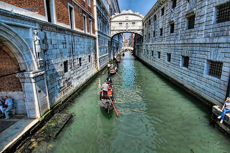 پل افسوس ها در ایتالیا