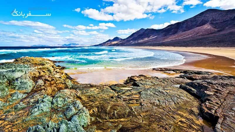 جزایر تشکیل شده از گدازه های آتشفشانی در جزایر قناری