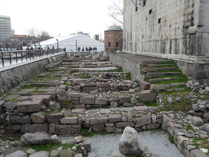 معبد آگوستوس در آنکارا و تور ترکیه