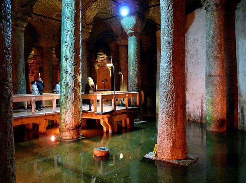 آب انبار باسیلیکا سیسترن در شهر استانبول