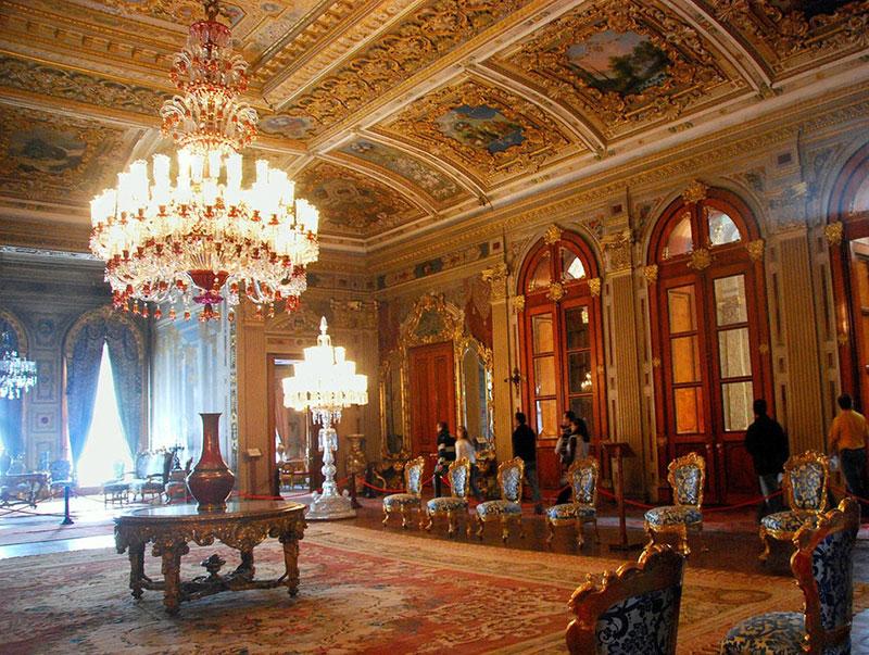 کاخ دلما باغچه از جاهای دیدنی استانبول