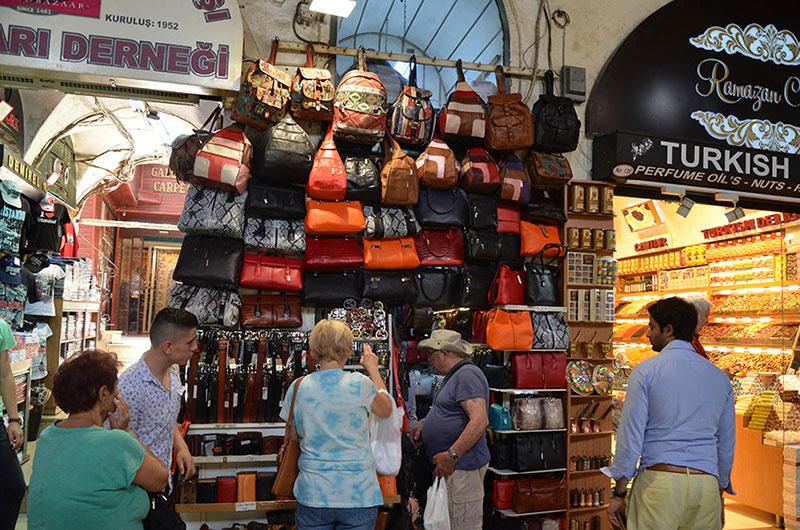 بازار بزرگ استانبول از جاهای دیدنی ترکیه
