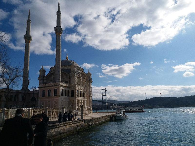 مسجد مجیدیه استانبول از دیدنی های تور ترکیه