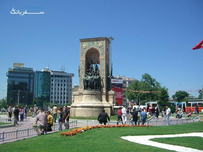 میدان تقسیم در تور استانبول