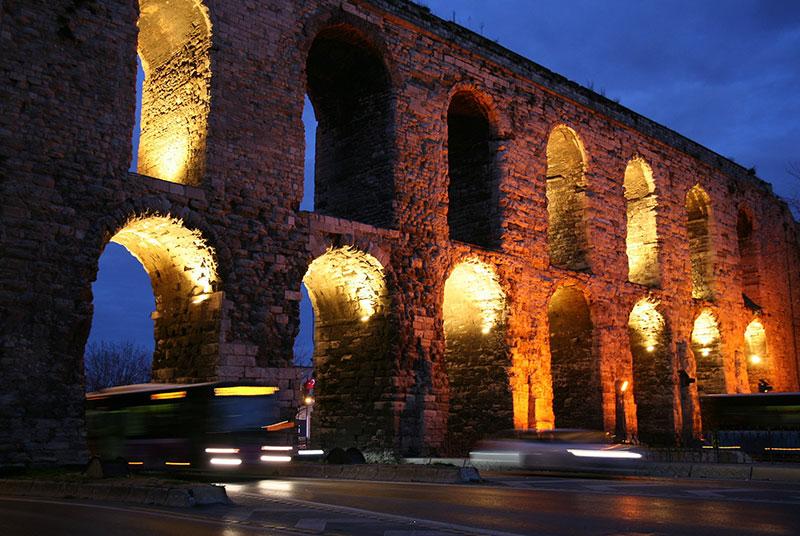 آبراهه والنس از جاهای دیدنی تور استانبول