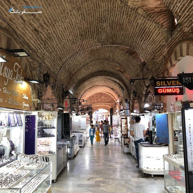 بازارهای سنتی ترکیه، بازار کمرالتی در ازمیر