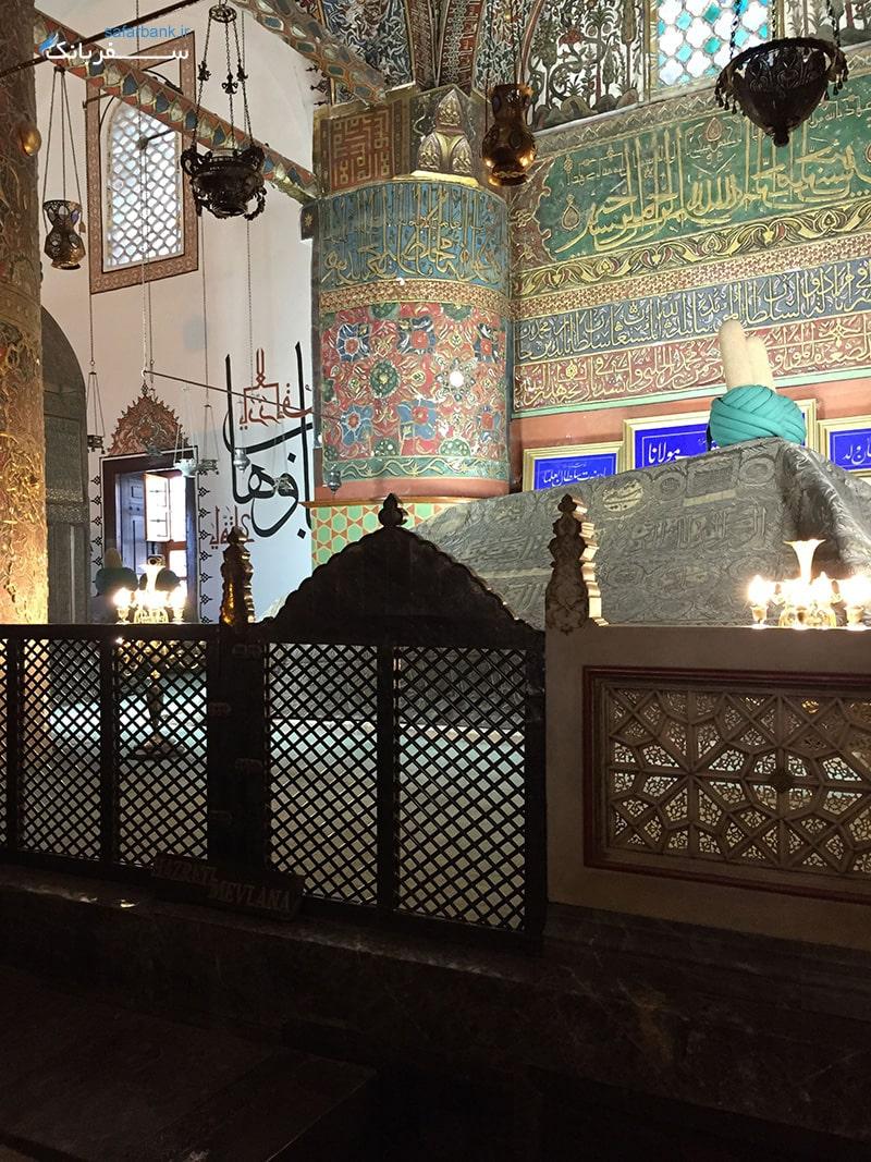 مقبره سبز مقبره مولانا جلال الدین بلخی در شهر قونیه ترکیه
