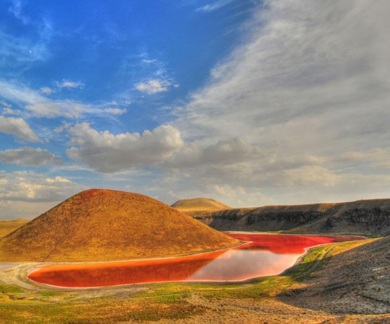 دریاچه دهانه آتشفشان مکه در شهر قونیه ترکیه