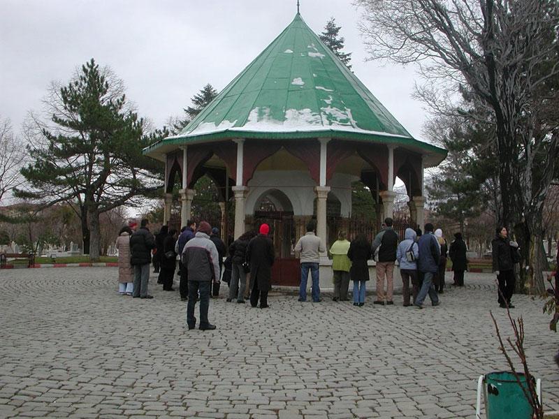 امروز آرامگاه ملا نصر الدین در شهر قونیه قرار دارد