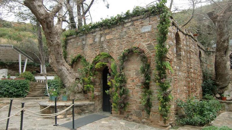 خانه مریم مقدس یا خانه ویرجین ماری تر تور ترکیه