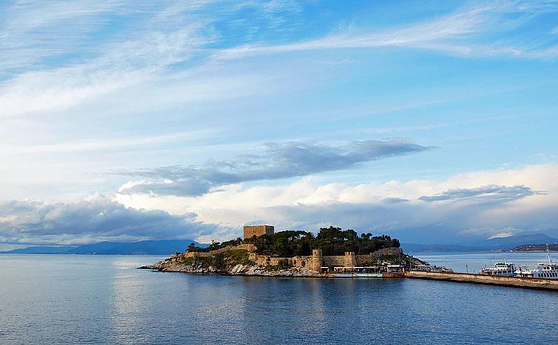 جزیره کبوتر در کوش آداسی ترکیه