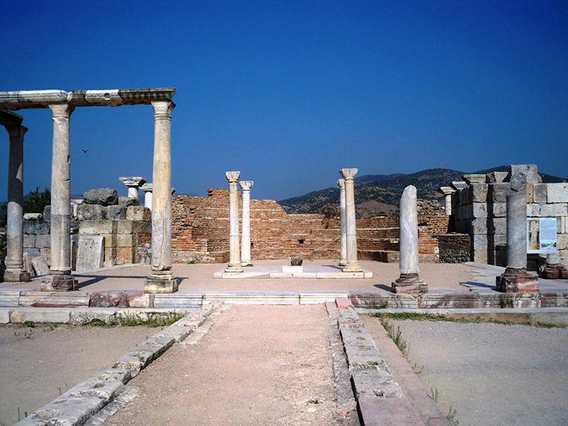 کلیسای باستانی سنت جان در کوش آداسی