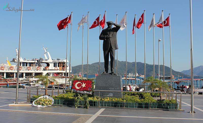 مجسمه مصطفی آتاتورک در مارماریس